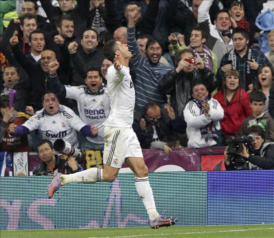El Real Madrid se reengancha a la Liga tras ganar al Valencia