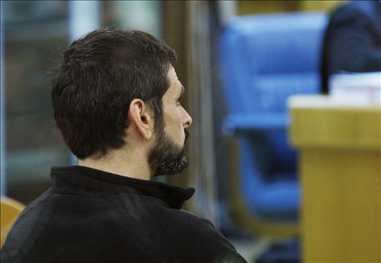 La nube volcánica impide a dos policías asistir al juicio a un grapo