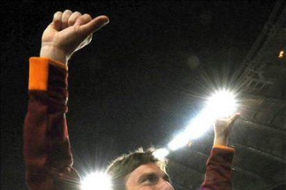 Multan con 20.000 euros a Totti por el gesto contra los aficionados del Lazio