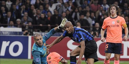 Un gran partido del Inter deja al Barça contra las cuerdas