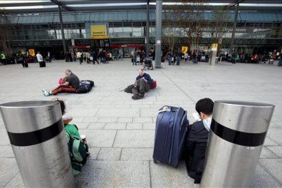 Aterrizan los primeros aviones en los aeropuertos británicos