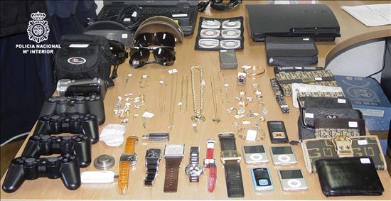 Doce detenidos al desmantelar una banda que atracaba joyerías de Barcelona