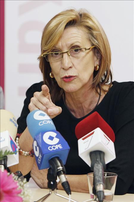 """Rosa Díez dice que PP y PSOE """"juegan al póquer"""" en busca de rentabilidad electoral"""