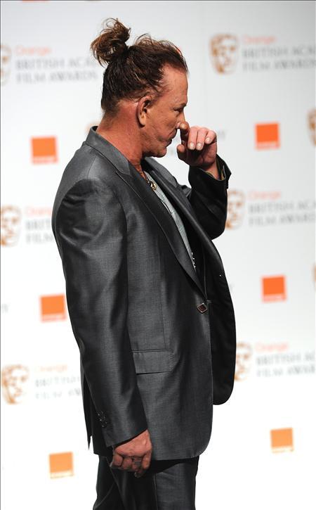 Mickey Rourke asegura que dará vida a Gengis Kan en el cine