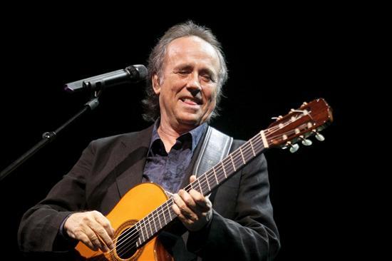 Serrat ofrece a Miguel Hernández su homenaje más íntimo y sentido