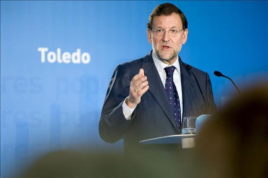 """Rajoy exige a Zapatero que opine sobre la """"brutal"""" campaña contra el Supremo"""