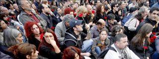Un grupo de turcos conmemora en Estambul la masacre de los armenios en 1915
