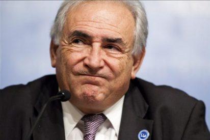 Los países miembros del FMI prometen contener el déficit ante la crisis griega