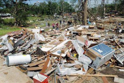 Por lo menos siete personas muertas deja el paso de tornados por el sudeste de EE.UU.
