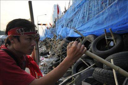 El Gobierno tailandés anuncia que se prepara para resolver la crisis