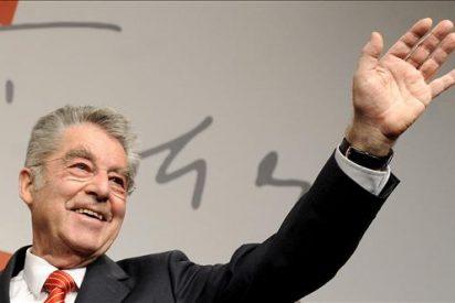 Abren los colegios electorales para las elecciones presidenciales en Austria