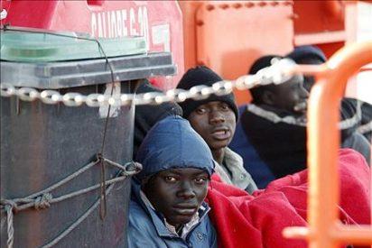 Una patera con 39 inmigrantes rescatada frente a la costa de Granada