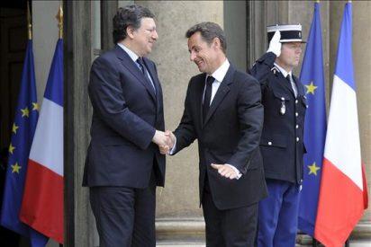 Sarkozy y Barroso advierten de que corre prisa actuar contra la especulación