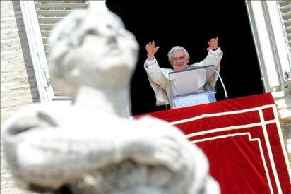 La prensa revela que el funcionario se burló del Papa en un memorandum es un graduado de Oxford