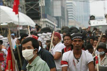 """El Gobierno asegura que actuará con dureza contra los """"camisas rojas"""""""