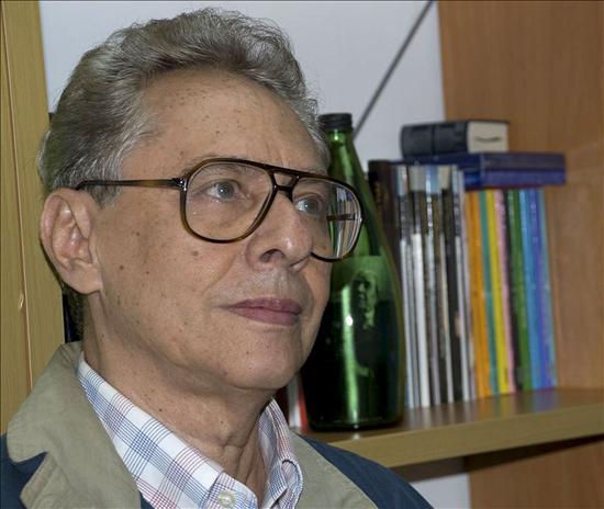 """El maestro de escritores José Balza edita en España su mejor obra, """"Percusión"""""""