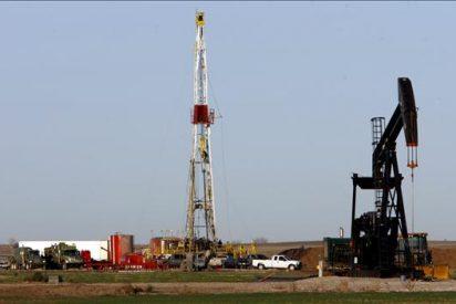 El crudo de Texas sube el 0,94 por ciento y cierra a 83,22 dólares por barril