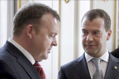 Medvédev dice que Rusia debía al mundo una aclaración sobre la matanza de Katyn