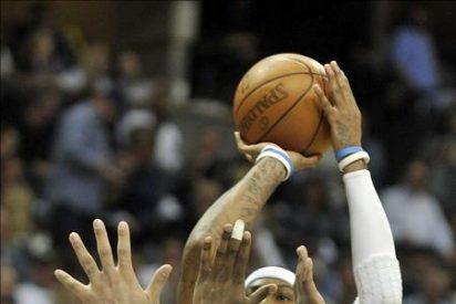 """116-102. """"Melo"""" y los triples de Smith mantuvieron con vida a los Nuggets"""