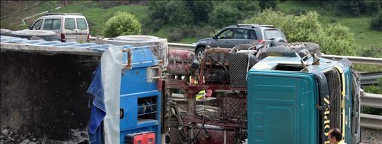 España alcanza el objetivo europeo al reducir un 53% los muertos en accidente
