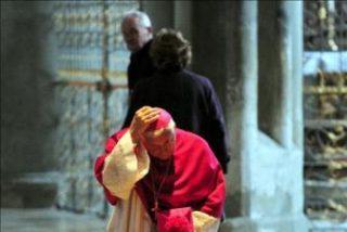 El Vaticano denuncia que el cardenal Castrillón felicitó en 2001 a un obispo que ocultó un caso de pederastia