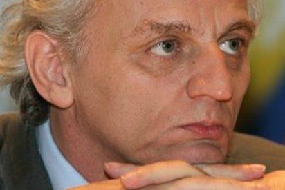 Los trabajadores de EFE se niegan a negociar con Grijelmo la bajada salarial