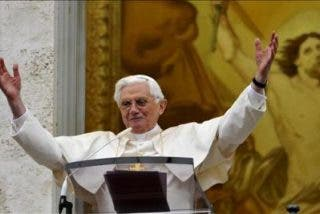 El Papa recuerda la tragedia del presidente polaco en el Regina Coeli
