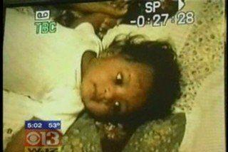 Libertad condicional para la mujer que dejó morir de hambre a su hijo porque no dijo 'Amén'