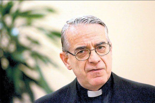 """Lombardi: """"El Papa no puede asumir una responsabilidad que no tiene"""""""