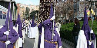 100.000 personas en la procesión laica de L'Hospitalet
