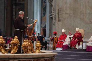 """Predicador del Papa: """"Los hombres tienen que pedir perdón a las mujeres"""""""