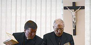 El aplauso episcopal, según Camino