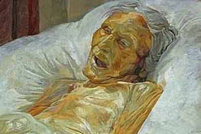 Finalista de un premio por retratar el cadáver de su madre