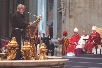 El Vaticano desautoriza al predicador que comparó los ataques al Papa con el antisemitismo