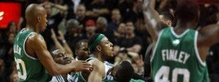 Una canasta imposible sobre la bocina da el 3-0 a los Celtics