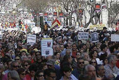 Muchos gritos, pero escaso público en las manifestaciones a favor de Garzón