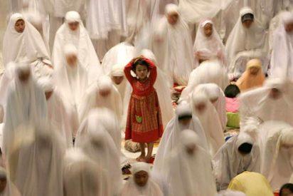 Los imanes de toda España defienden hoy en las mezquitas el uso del velo