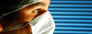 """Le quitan un testículo """"por error"""" durante una operación quirúrgica"""