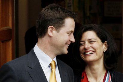 """Clegg admite su """"decepción"""" y pide a los partidos """"no apresurarse"""" a tomar decisiones sobre el próximo Gobierno"""