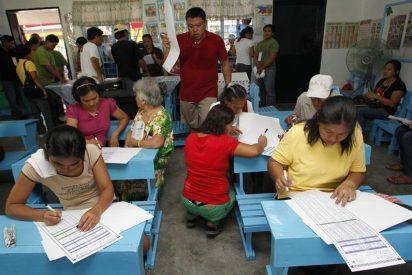 La Comisión electoral prorroga una hora el horario de voto