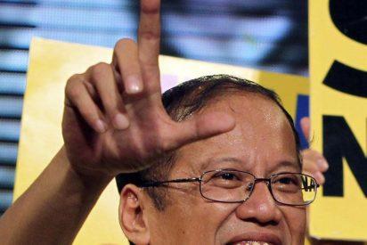Aquino se compromete a combatir la corrupción
