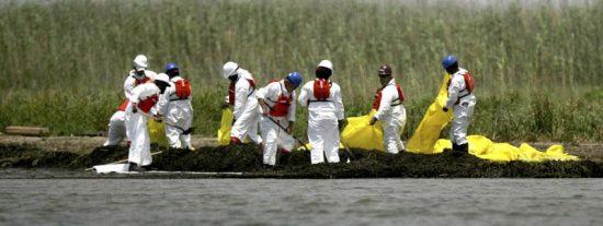 BP intentará insertar un tubo de bombeo en las próximas horas