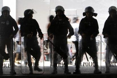 El toque de queda en Bangkok se prolonga dos días más