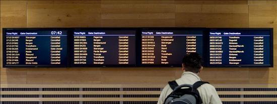 16 aeropuertos del norte de España cierran por la nube de ceniza