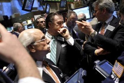 Wall Street pierde ímpetu, pero cierra abril con ganancias