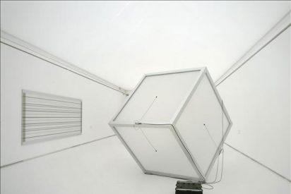 El artista Carsten Nicolai estudia la percepción del cerebro para crear