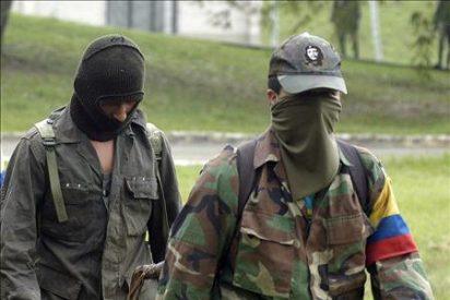 Dos guerrilleros de las FARC desertan y liberan a una menor secuestrada