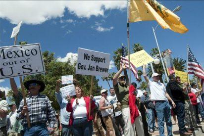 """Defensores de los inmigrantes protagonizan """"sentada"""" ante la Casa Blanca"""
