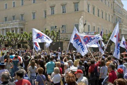 El Gobierno griego presenta hoy el plan de austeridad acordado con el FMI y la UE