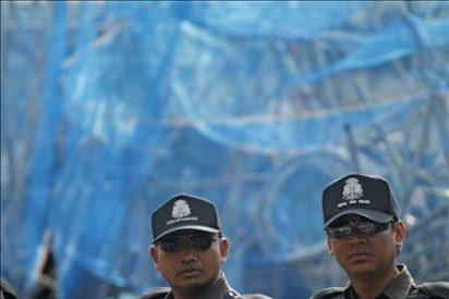 """Los """"camisas rojas"""" ignoran la amenaza de desalojo del Gobierno tailandés"""